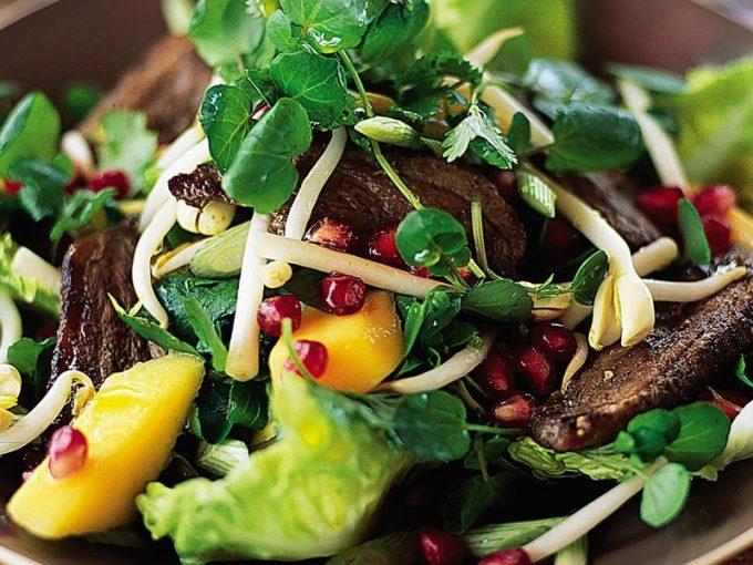 Sốt salad mùa đông kiểu châu Á ăn kèm với vịt từ Jamie Oliver