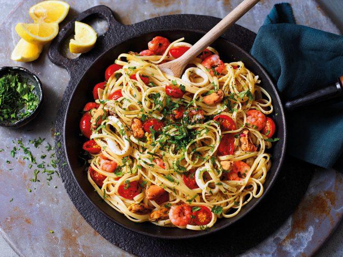 Pasta hải sản sốt cà chua